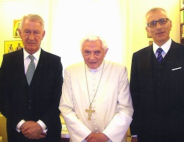 On September 1, 2014, Pope Emeritus Benedict XVI welcomed Cosimo Marti, the Treasurer of Juventutem, and Giuseppe Capoccia, General delegate of the pilgrimage.
